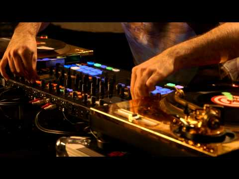 DJ Shiftee, two turntables, and the power of TRAKTOR KONTROL S8 | Native Instruments
