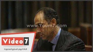 علاء وجمال مبارك داخل القفص فى انتظار بدء محاكتمهما بـ