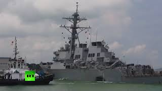 Видео захода эсминца ВМС США «Джон Маккейн» в порт Сингапура после столкновения с танкером