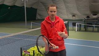 Теннис. Удар слева двумя руками. Хватка и прочее...