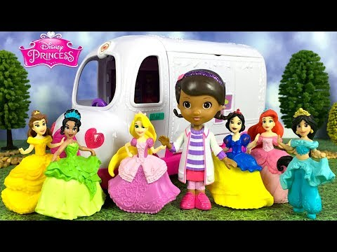 STORY WITH DOC MCSTUFFINS AND DISNEY PRINCESS COLLECTION DOLLS