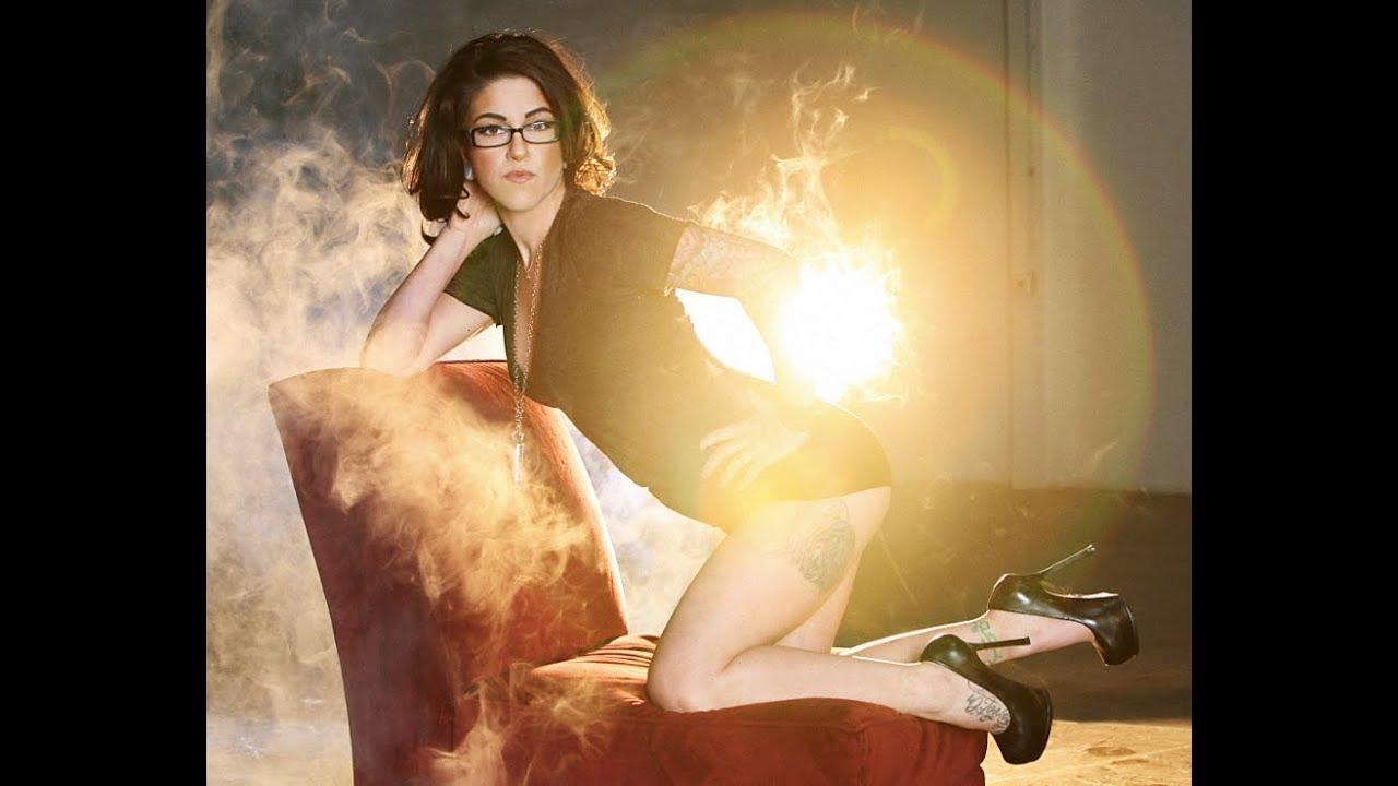 Hot Girl On Pawn Stars