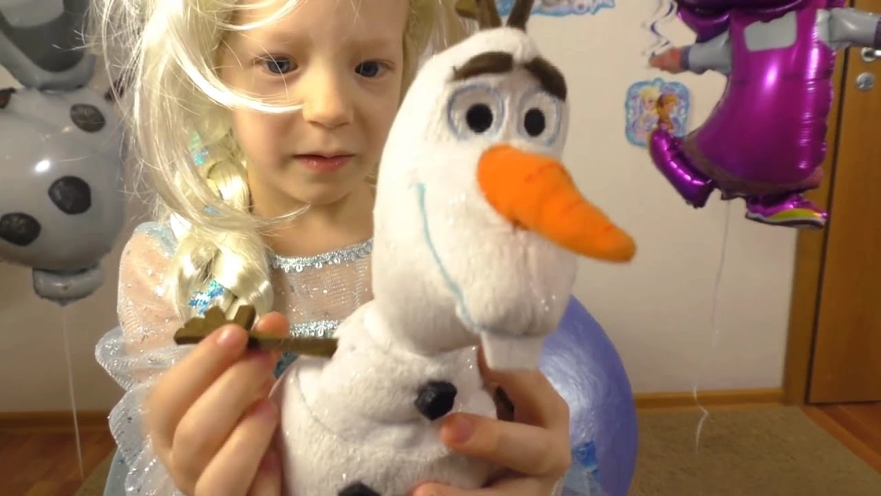 ДЕНЬ РОЖДЕНИЯ Миланы! Frozen Giant Surprise Egg. Elsa and Olaf In Real Life + Kinder Egg Frozen