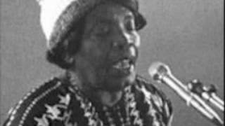 Bessie Jones - Daniel in the Lion's Den