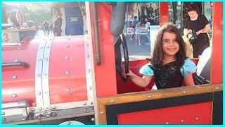 AVM'de Etkinlik Alanında Çocuklar İçin Yapılan Trene Bindik, Trend İle Meydanı Gezdik | Çocuk Video
