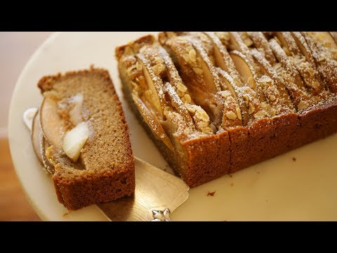 Beth's Pear Spice Cake with Toasted Oats