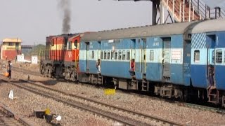 Indian Railways Huffing Puffing WDG3A ( 13466 ) Links Hyderabad Kholapur Express