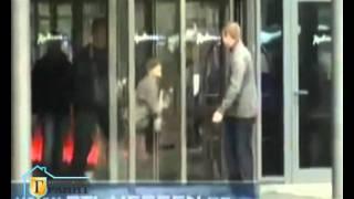 Люди, звери и двери - смешное видео Питер Гранит(Посмотрите обязательно!!! Смешные видео с дверьми. Люди, звери и двери. Приколы про двери и животных. Подб..., 2011-06-08T22:27:27.000Z)