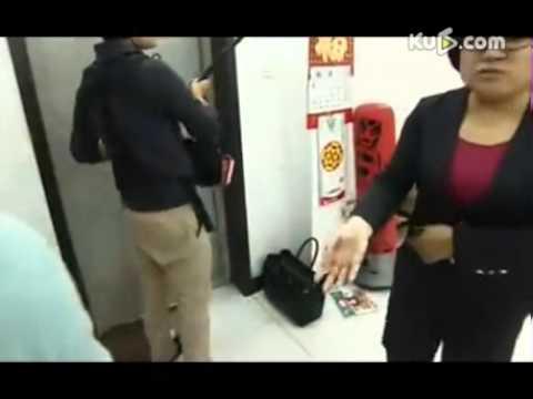 央视《超级育儿师》挑战底线-奶奶怒砸摄像机