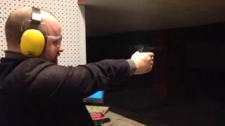 Стрельба из боевого оружия (пистолет Макарова) в самом центре Санкт-Петербурга(, 2017-02-15T14:30:30.000Z)