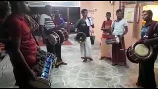 Download Video Varuvaan vadivelan......athadi maariyamma MP3 3GP MP4