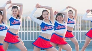 2009年に福井県の高校チアリーダー部が、アメリカのチアダンスの大会で...
