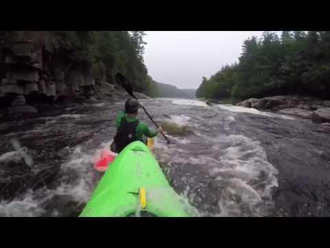 Kayak rivière rouge 7 soeurs 100m3/s
