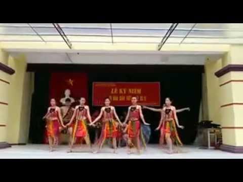Múa Âm Vang Tây Nguyên 12A8  - THPT LQĐ -  HĐ 2013