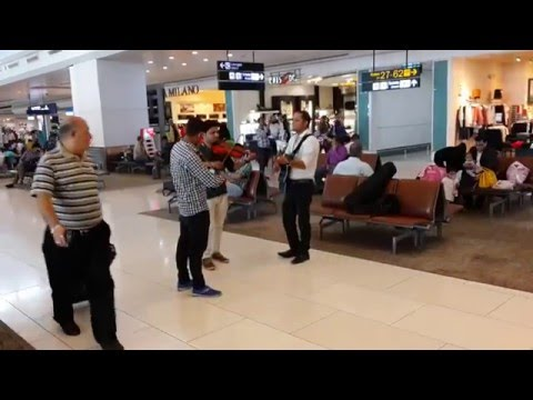 GMR T3 Indira Gandhi International Airport entertained by group of guitarist