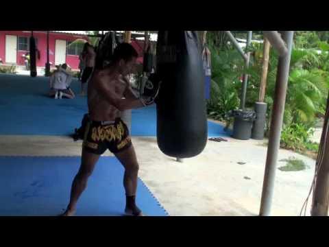 43a183f15d Bag workout demonstration with Kru Yod - YouTube