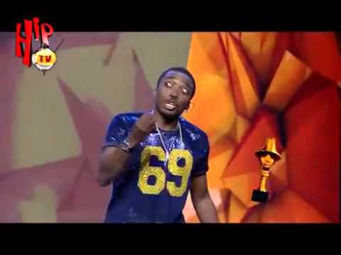 Download THE HEADIES 2015 MOMENTS BOVI JOKES ABOUT BEEFS IN 2015 (Nigerian Comedy)