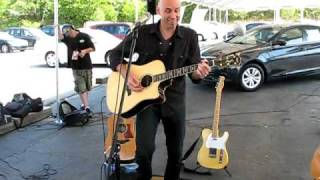 Matt Scannell of Vertical Horizon - Everything You Want (acoustic) @ West Islip, NY