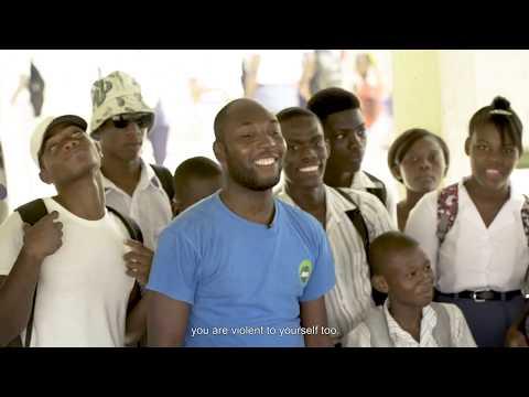 Makenson Léonard helps Haitian kids overcome traumas bred by violence.