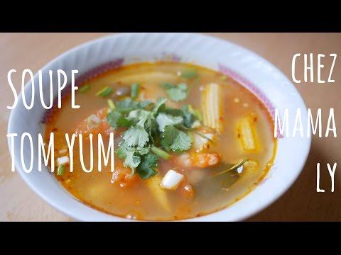 soupe-tom-yam-ou-tom-yum---recette-thaï-traditionnelle-facile-et-rapide-à-faire