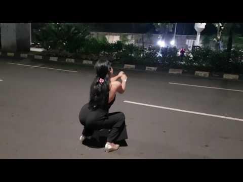 Squatshit challenge at taichan (jongkok dance)