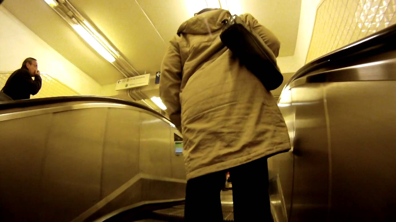 Paris-Metro 2&1-Place De Ternes-Porte Maillot - YouTube