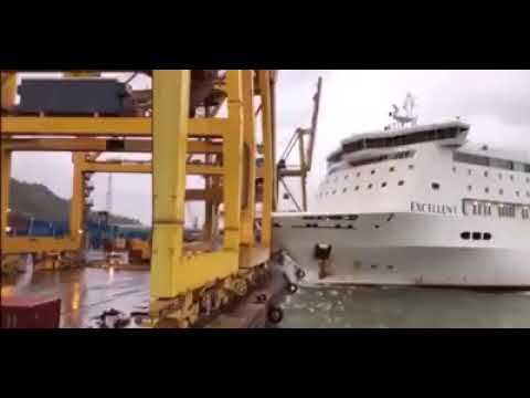 Cruise Ship Accident, Crash with Port Crane