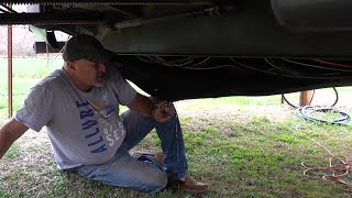 Episode 103: RV Repairs  Replacing the Hydraulic Slide Cylinders