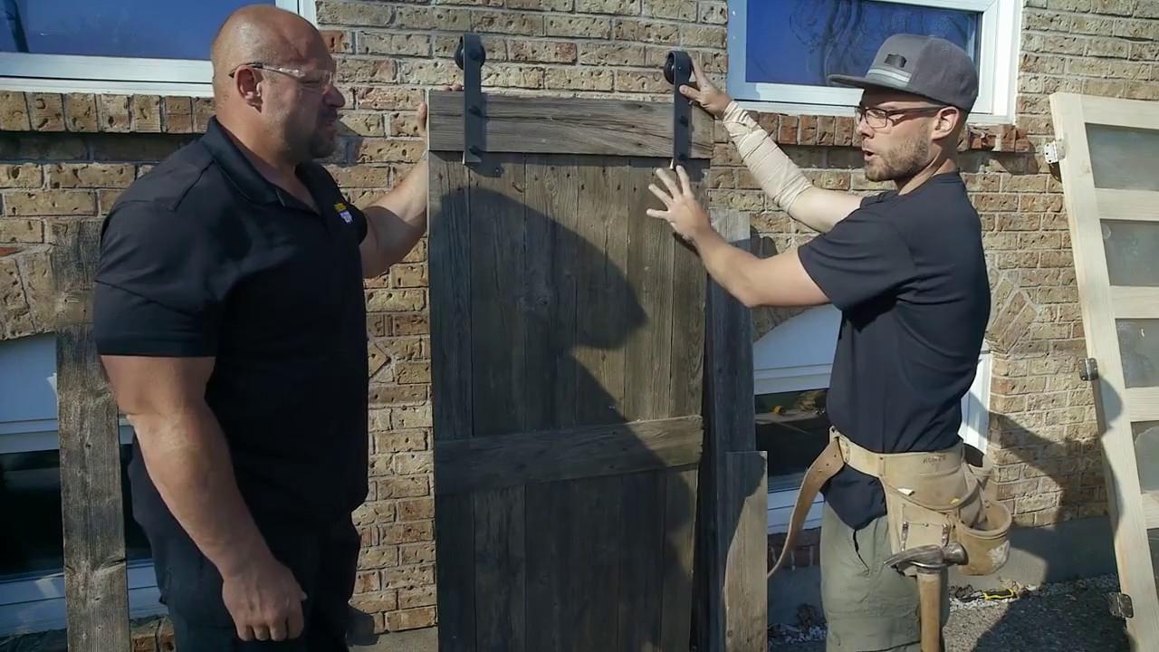 Construire une porte en bois de grange youtube - Fabriquer porte de grange ...