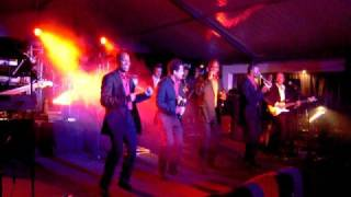 'the Frontline Showband' ft. Re-play 2