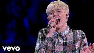 Miley Cyrus - Jolene (Dolly Parton Cover) [Live at Bangerz Tour]