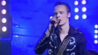 Agents & Ville Leinonen - Olen yksin (Live)