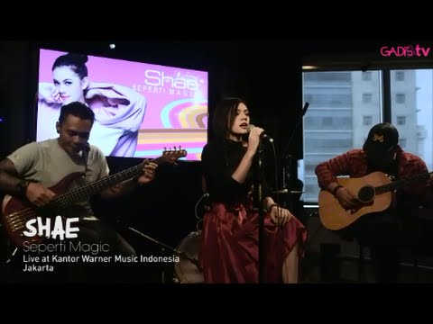 SHAE - Seperti Magic (Live at Warner Music Indonesia)