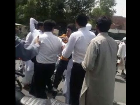 Lawyer who misbehaved with public in faisalabad arrested 19-04-2018