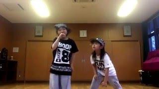 あっちゃん→HARUYA チャラメガネ→KANAE ダンスユニット《KICKS!》