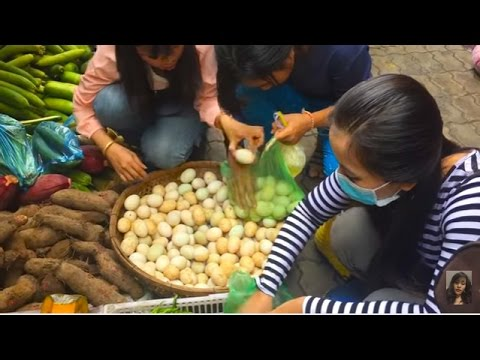 Cambodian Market Food, Social Living Art In Market