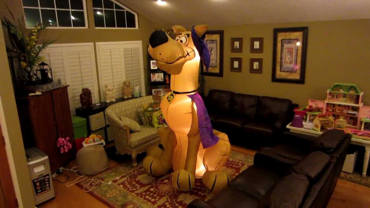 Giant Scooby Doo Halloween Inflatable - YouTube