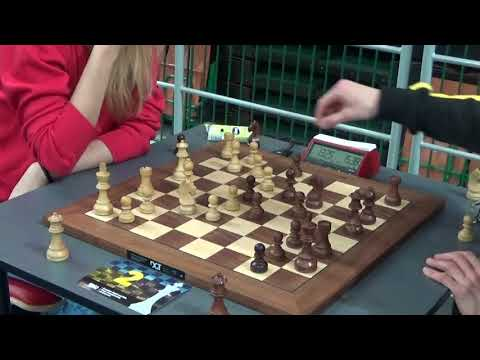 Styazhkina Anna - GM Navara David, Rapid chess, English opening