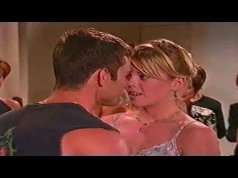 OLTL Jess and Cris at the gallery