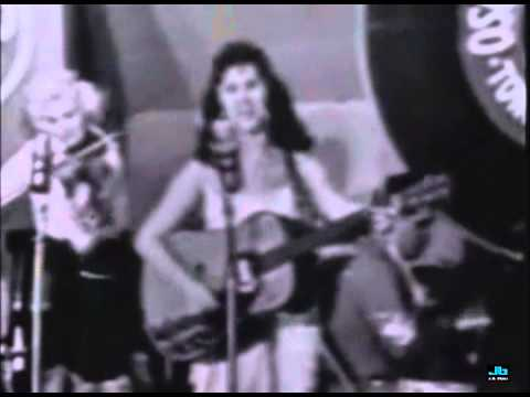 Wanda Jackson - Mean Mean Man (Town Hall Party)
