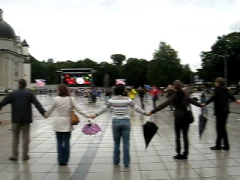 "Flashmob ""Baltic way"" @ Vilnius 2009"