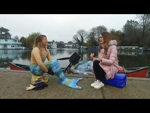 'Thames Mermaid' Fishes Out Rubbish To Send A Message