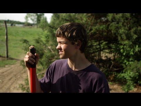 Rich Hill (Trailer)