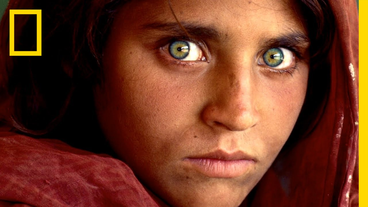 Afghan girl in saxe for