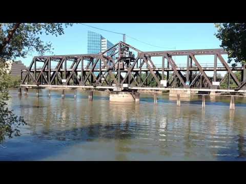 I Street Bridge, Sacramento (Rotating)