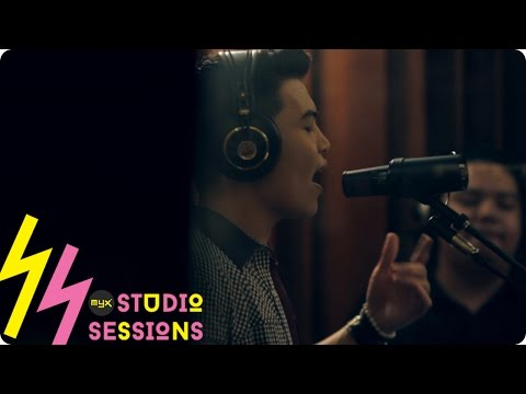 """DARYL ONG performs mashup of """"Say You Won't Let Go"""" and """"Versace On The Floor"""""""