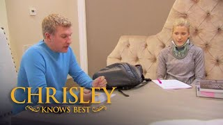Chrisley Knows Best | Season 5, Episode 4: Todd Gives Savannah A Driving Test