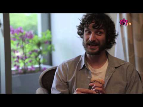 987 interview - Rozz meets Gotye and he revealed the truth about his relationship with Kimbra
