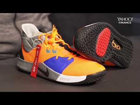 rutin adjektiv Skratt  Unboxing the new NASA inspired Nike shoe - YouTube