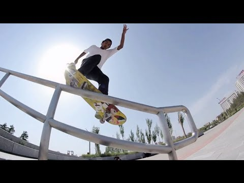 Skating through China's ghost city - Lost in Ordos